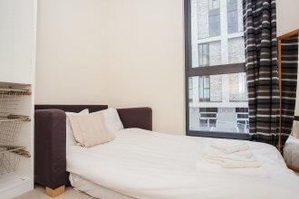 Modern 2 Bed Apartment Close to Canary Wharf