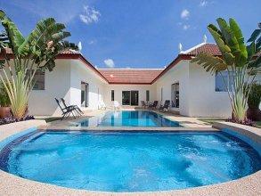 Villa Aromdee A