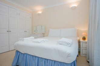 2 Bedroom Balcony Apartment In Putney