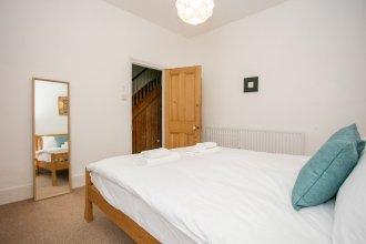 3 Bedroom Flat In Highbury