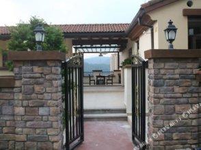 No.3 Hillside Holiday Villa