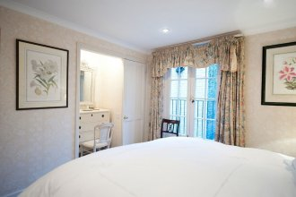The London Agent Pimlico King Bed