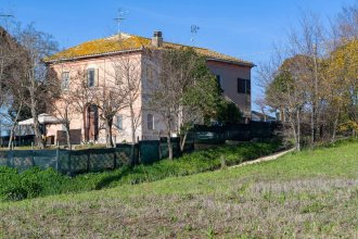 Apartment With 3 Bedrooms in Filottrano, With Enclosed Garden and Wifi - 30 km From the Beach
