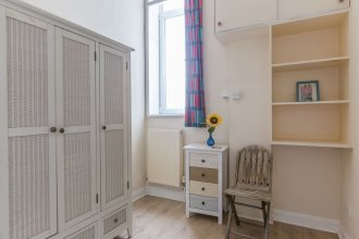 Bright Two BR Period Apartment in Whitechapel