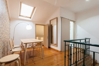 Liberty Duplex Three-Bedroom Apartment - by LU Holidays