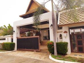 Punnapha Pool Villa  Pattaya