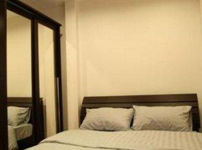 B8 Rooms Hotel