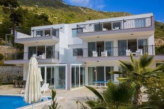 Villa Serenity by Akdenizvillam