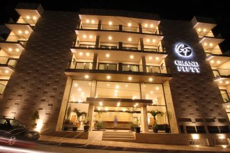 Hotel Grand Fifty Suites