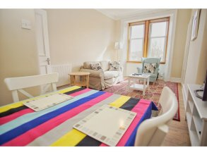Bright & Spacious Flat 4 in Newhaven