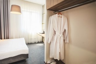 Отель «У медового моста»