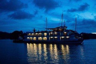 Pelican Halong Cruise