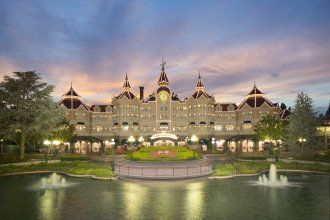 Disneyland Hotel®