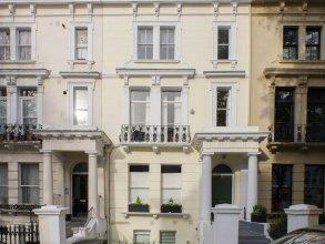 Elgin Crescent Apartment
