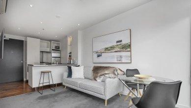 QV Trendy Viaduct Harbour Apartment - 799
