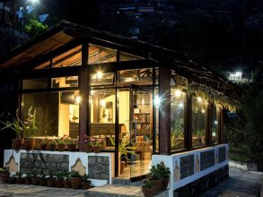 Chhahari Lodge