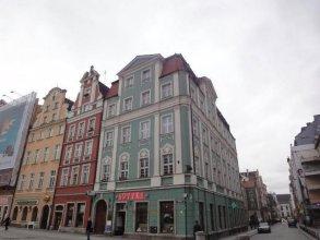 24W Apartments Rynek