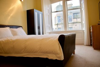2 Bedroom Bruntsfield Apartment