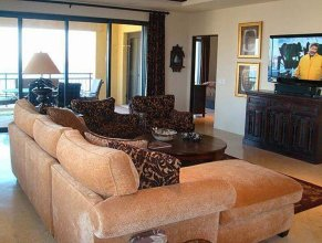 Beautiful Beachfront Condo On Medano Beach: Hacienda 1-501
