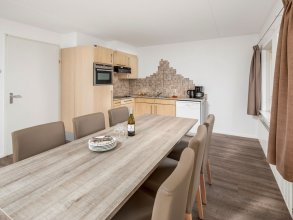 Restyled Bungalow With two Bathrooms, 500 m. From the Beach