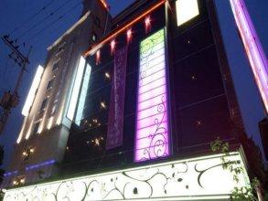 Rainbow Hotel Hwagok