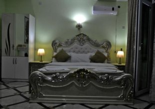 Отель White Palace