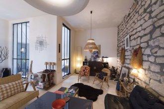 Loft Style Apartment With A Workshop Studio