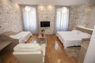 Tifani Luxury Rooms