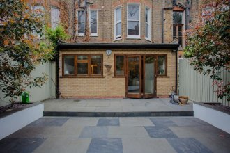 Garden Flat in Shepherds Bush