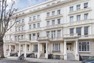 Club Living - Hyde Park Apartments