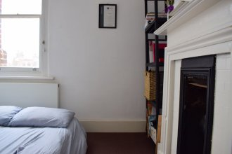 1 Bed Flat With Roof Terrace