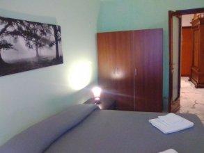 Appartamento via Ugo de Carolis
