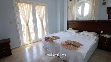 Villa FT01 by JoyLettings