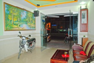 Phung Hong Hostel
