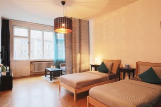 City Center Apartment for 7 people walking distance to Old Town by easyBNB