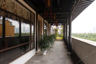 Lakeview Jin'ge Hotel