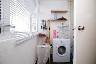Charming 3BR Home in Quiet Neighbourhood