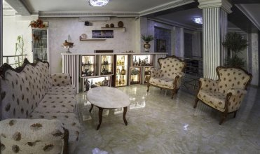 Chao Hotel