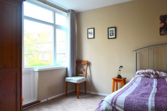 Spacious 2 Bedroom House With Garden in Islington