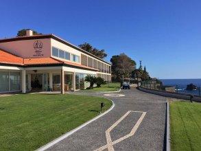 Отель Albatroz Beach & Yacht Club