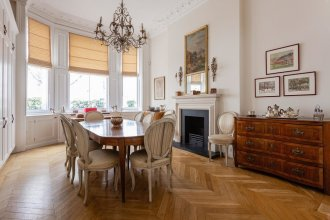 Palace Garden Terrace VI by Onefinestay