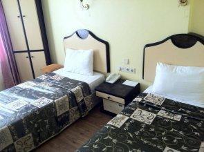 Oz Cakir Hotel