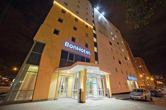 Отель Bon