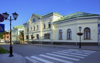 Двор Подзноева - Главный корпус