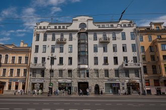 Квартира с видом на весь Невский проспект