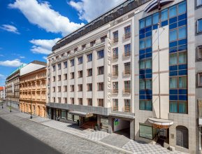 Отель Alcron
