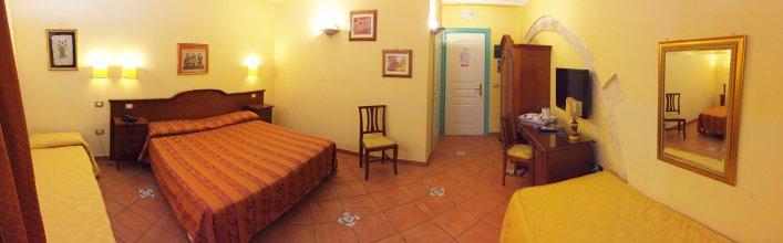 Отель Mediterraneo
