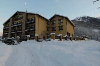 Отель Альпийская сказка