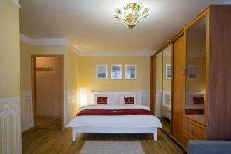 Апартаменты Lux Малая Пироговская 23