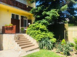 Апартаменты Sunny & Green